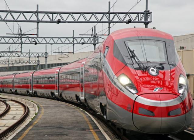 Natale, caro viaggi: tariffe dei treni per il Sud ingiuste per le famiglie