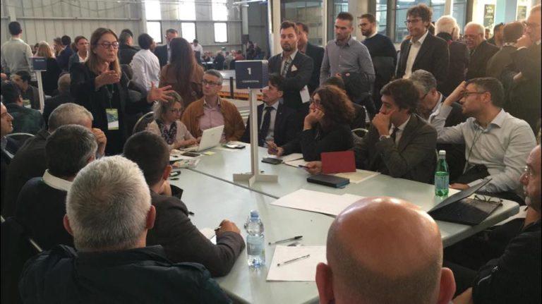 """""""La tua idea per la Calabria"""" tavoli tematici per il futuro al fianco di Oliverio"""