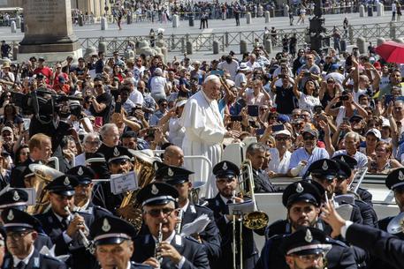 Le parole del Papa contro l'ergastolo e il sovraffollamento delle carceri