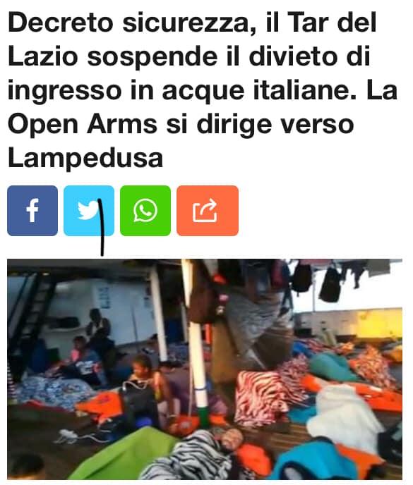 La Open Arms sbarca a Lampedusa